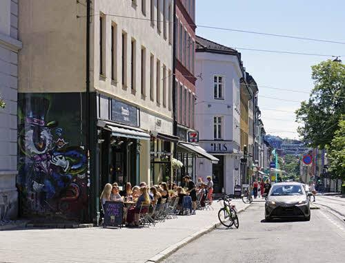 Cafe in Grunerlokka by Tord Baklund, Visit Oslo