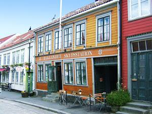 Colourful houses in Trondheim by Morten Sagen, Visit Trondheim