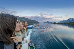 Enjoying the view by Trym Ivar Bergsmo, Hurtigruten