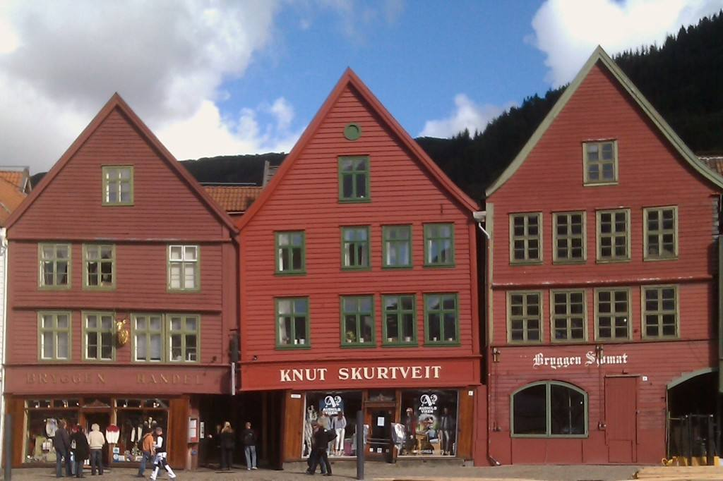 The UNESCO Bryggen wharf, Bergen, Norway. Photo by Rita de Lange, Fjord Travel Norway