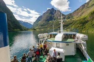 Fjord cruise on Naeroyfjord by Finn Loftesnes, Flam AS