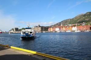 Fjord express boat approaching Bergen. Photo by Rita de Lange, Fjord Travel Norway