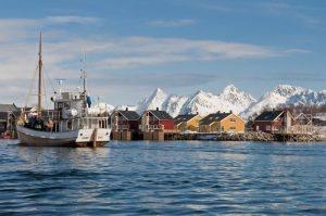 Lofoten scenery by CH, Visit Norway