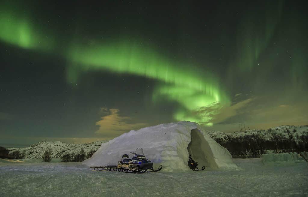 Northern Lights Kirkenes by Kirkenes Snowhotel