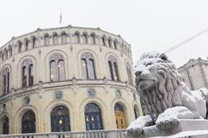 Parliament building in Oslo by Didrick Stenersen, Visit Oslo