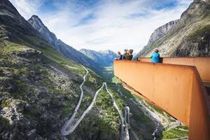 Trollstigen excursion by Agurtxane Concellon, Hurtigruten