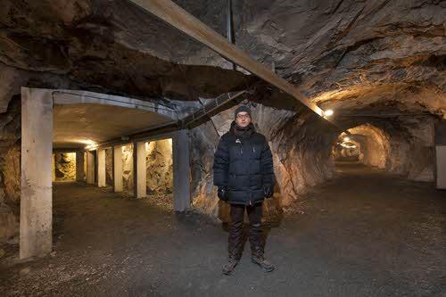 Visit to Andersgrotta by Kirkenes Snowhotel