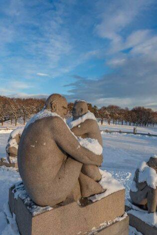 Winter in Vigelands Sculpture Park by Florian Frey, Visit Oslo