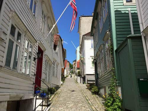 Wooden houses in Bergen by Gjertrud Coutinho, Visit Bergen