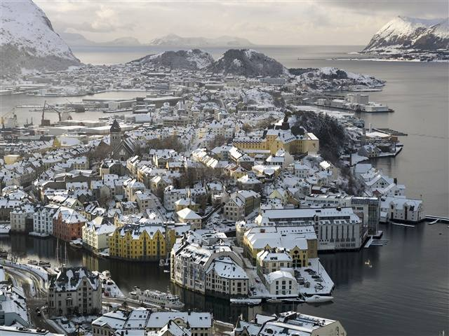 Alesund in winter. Photo by Terje Borud, Innovation Norway