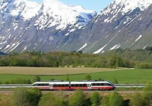 The Rauma rail line, Norway. Photo by Leif Jolestad, NSB
