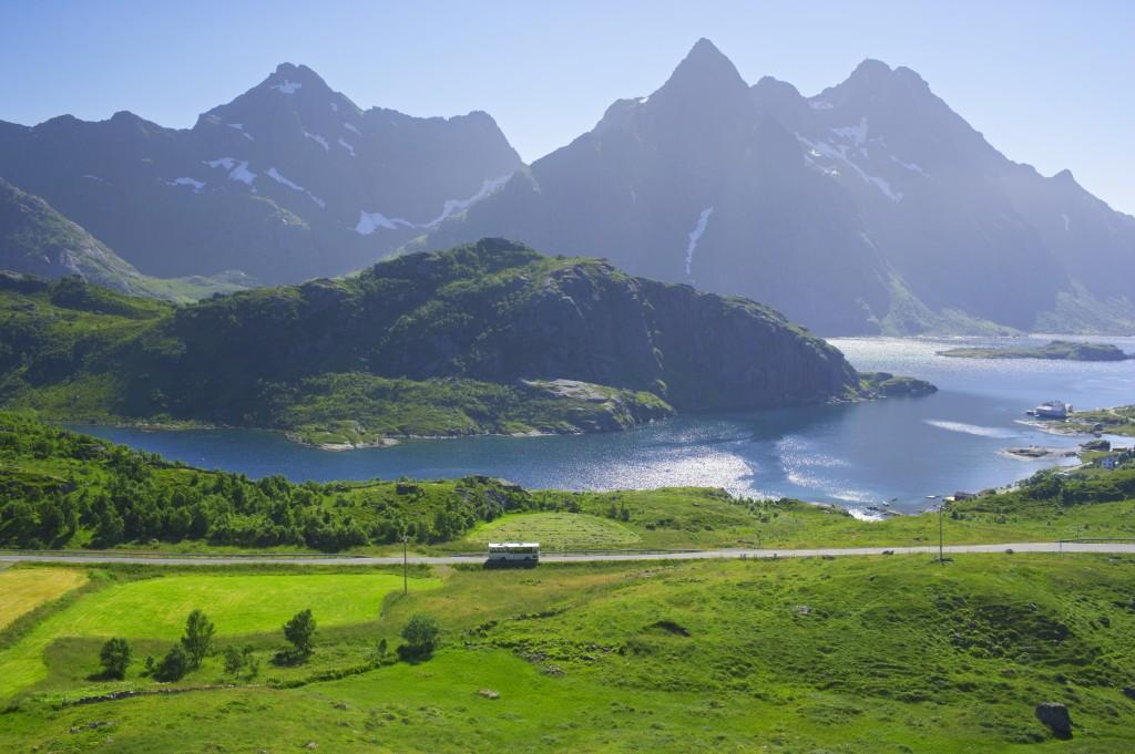 Lofoten islands. Photo Baard Loeken Nordnorsk Reiseliv