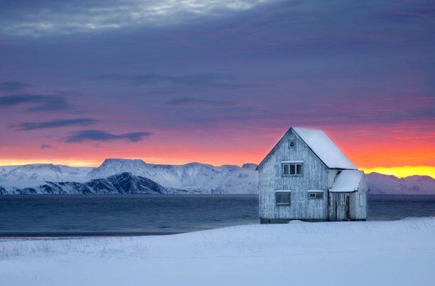 Hasvik by Anne Olsen Ryum, Nordnorsk Reiseliv