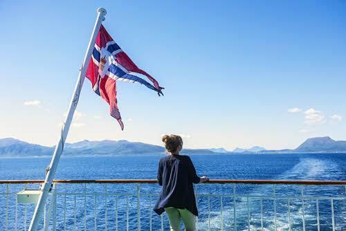 Cruise Hurtigruten by Agurtxane Concellon, Hurtigruten
