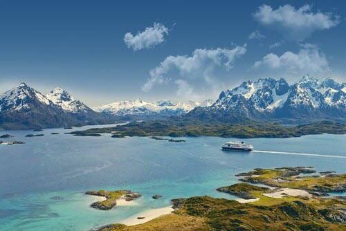 Cruise Raftsundet Hurtigruten by Trym Ivar Bergsmo, Hurtigruten