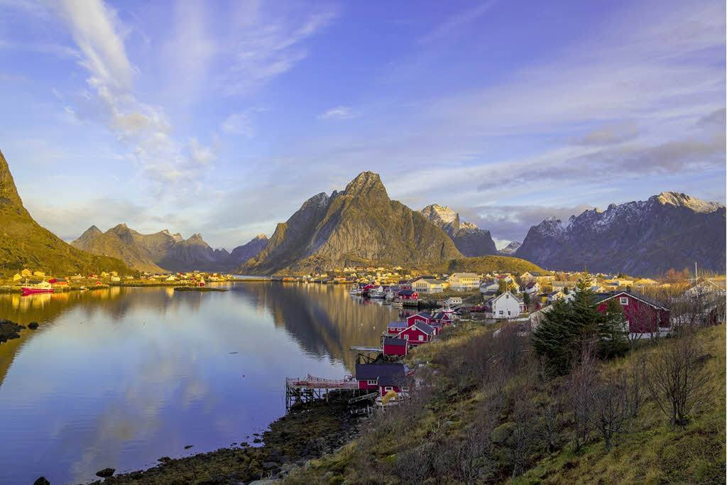 Dawn on Lofoten Islands by Pixabay