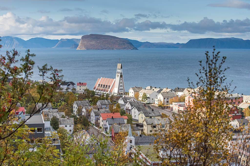 Hammerfest by Orjan Bertelsen, Hurtigruten