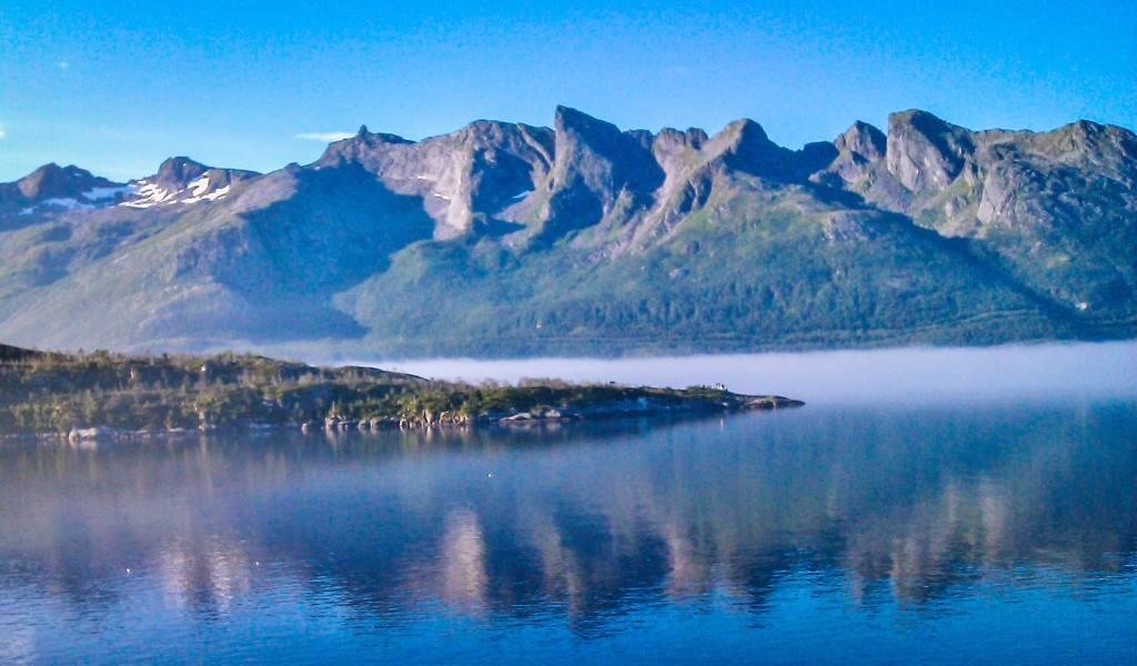 The magic Helgeland coast. Photo by Rita de Lange, Fjord Travel Norway