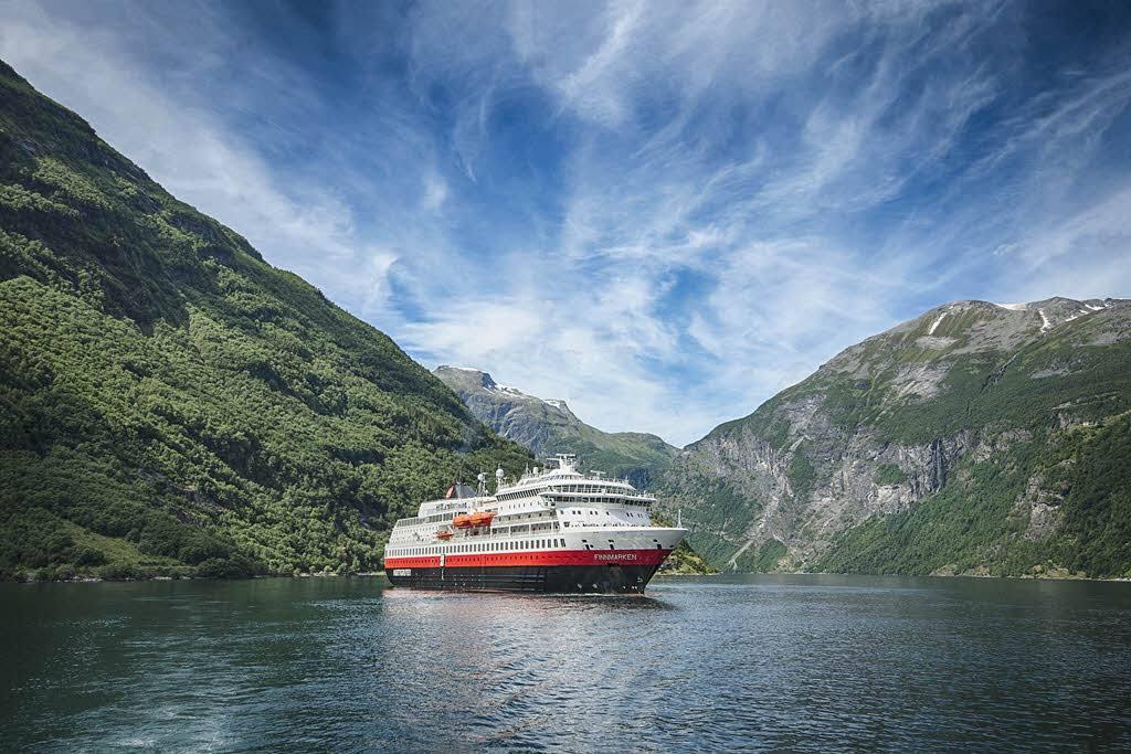 MS Finnmarken by Agurtxane Concellon, Hurtigruten