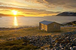 Midnight Sun at the Arctic Coast by Bjarne Riesto, Nordnorsk Reiseliv