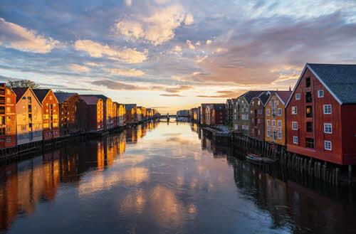 Sunset in Trondheim by Bernart Wood, Visit Norway