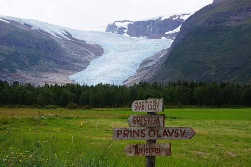 Svartisen Glacier by Giovanni Santin, Hurtigruten