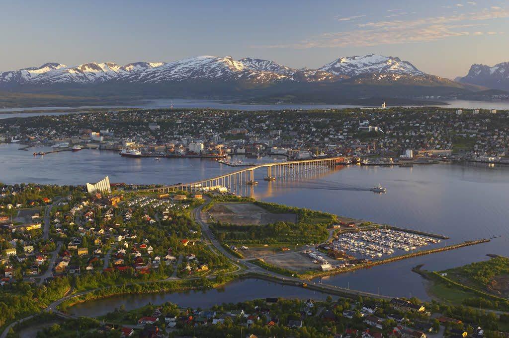 Tromso in summer by Baard Loeken, Nordnorsk Reiseliv