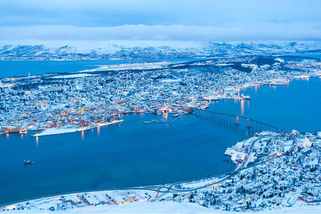 Tromso in winter by Konrad Konieczny, Nordnorsk Reiseliv