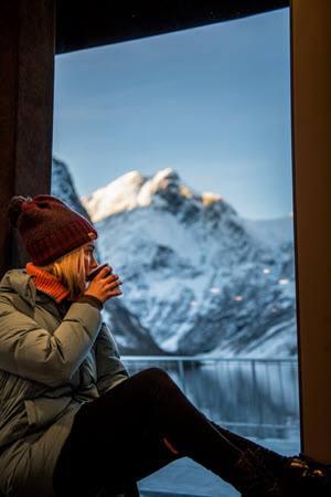 Wintercruise on UNESCO Naeroyfjord by Sverre Hjornevik, Flam AS