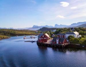 The Arctic Helgeland coast, Norway. Photo by Rita de Lange, Fjord Travel Norway