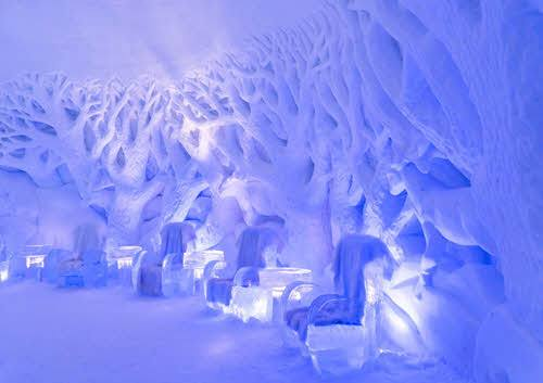 Ice art at Kirkenes Snowhotel by Pixabay