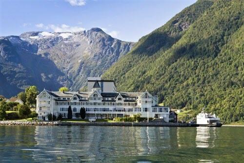 Kviknes Hotel in Balestrand by De Historiske Hoteller