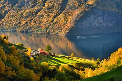 Sognefjord in autumn colours by M. Dickson, Foap, Visit Norway