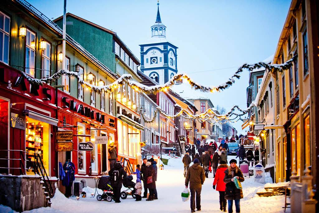 Christmas in Roros by Thomas Rasmus Juell Skaug, Visit Norway
