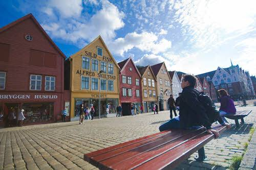 Colourful houses in Bergen by Sonia Arrepia, Visit Norway