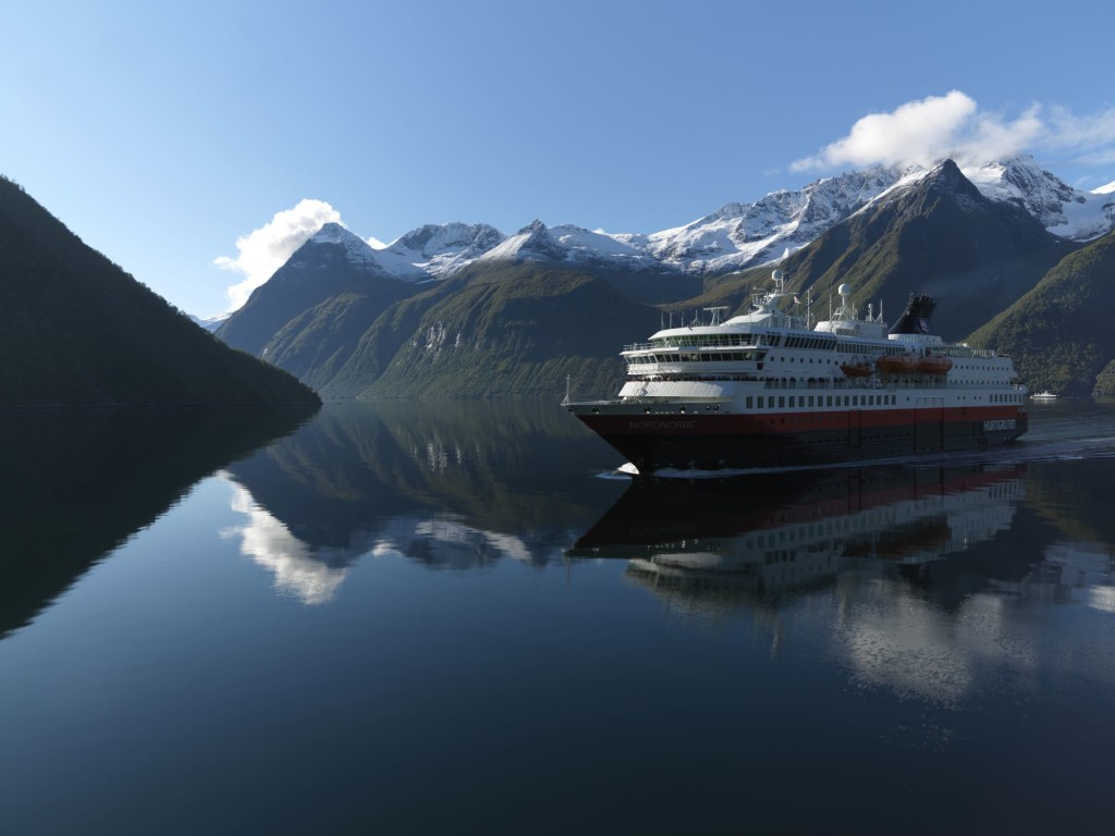 unescorted travel in norway: fjords & northern lights