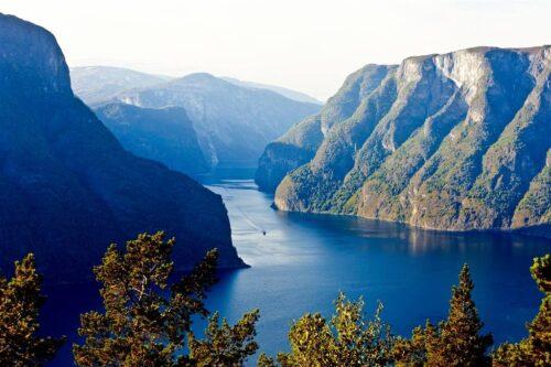 Sognefjord - Naeroyfjord. Photo by Morten Rakke VisitFlam