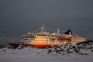 MS Nordlys at Christmas. Photo by Ralf Zeller, Hurtigruten