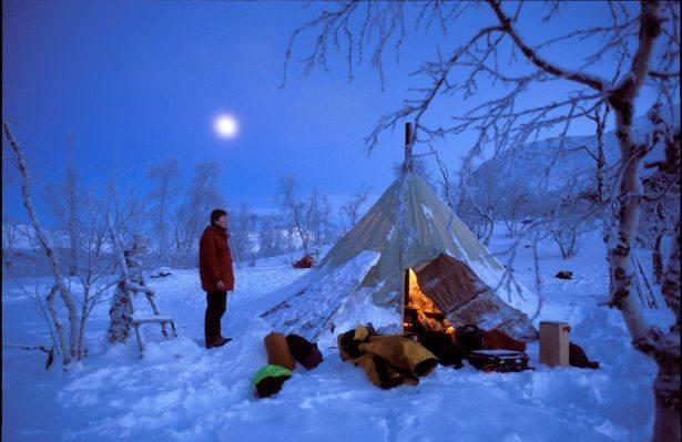 Samitent in polar night. Photo by Bjorn Klauer, Nordnorsk Reiseliv