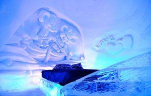 Snow hotel room. Photo by Kirkenes Snow hotel
