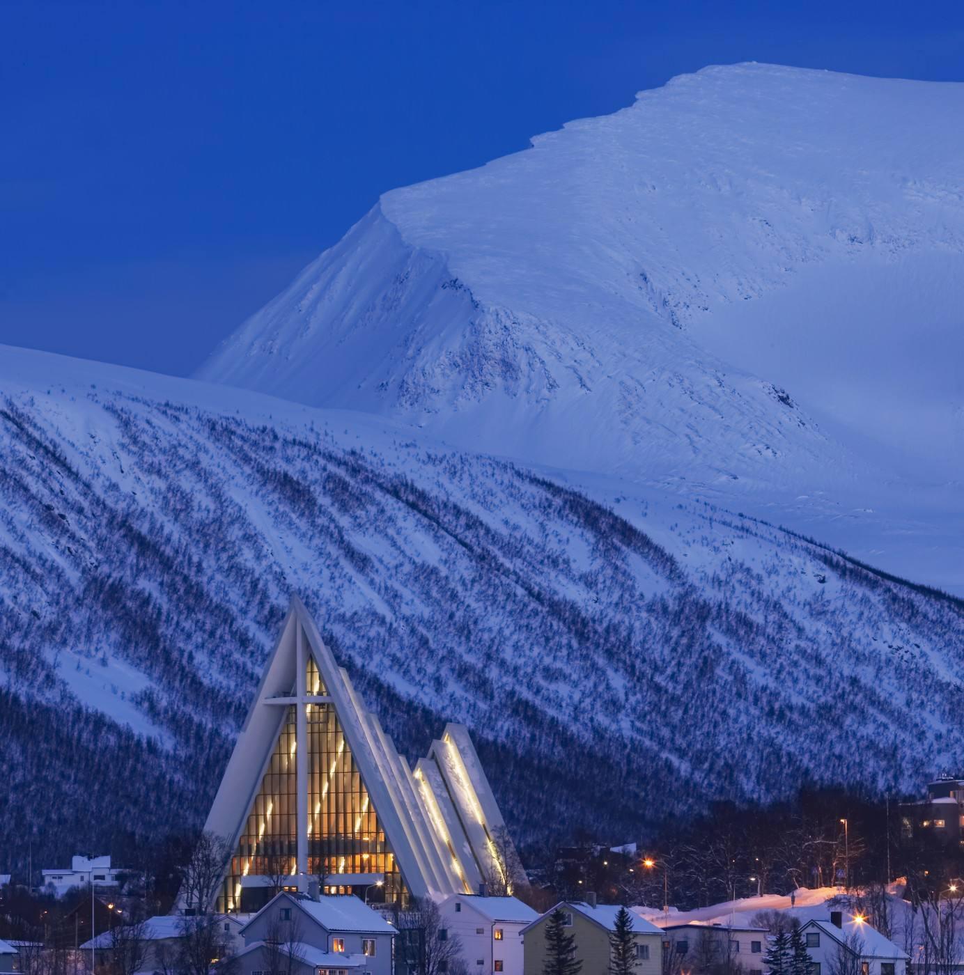 Tromso Picture by Baard Loeken_www.nordnorge.com