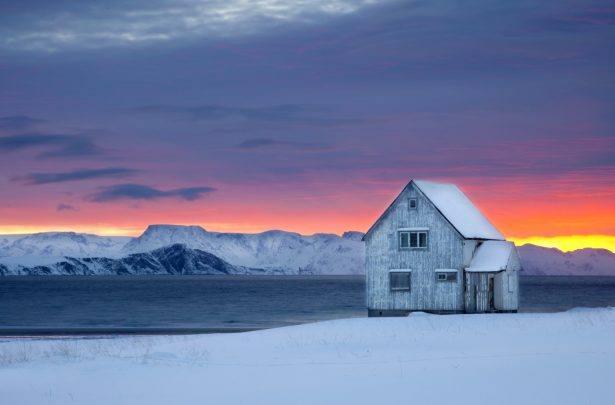 Winter Light by Anne Olsen Ryum, Nordnorsk Reiseliv