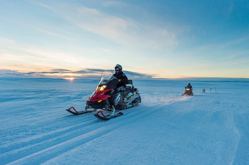 Snowmobile trip in Alta by Orjan Bertelsen, Hurtigruten