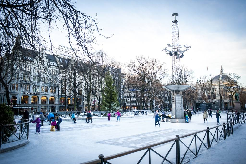 Ice Skating in Oslo by VisitOSLO/Thomas Johannessen