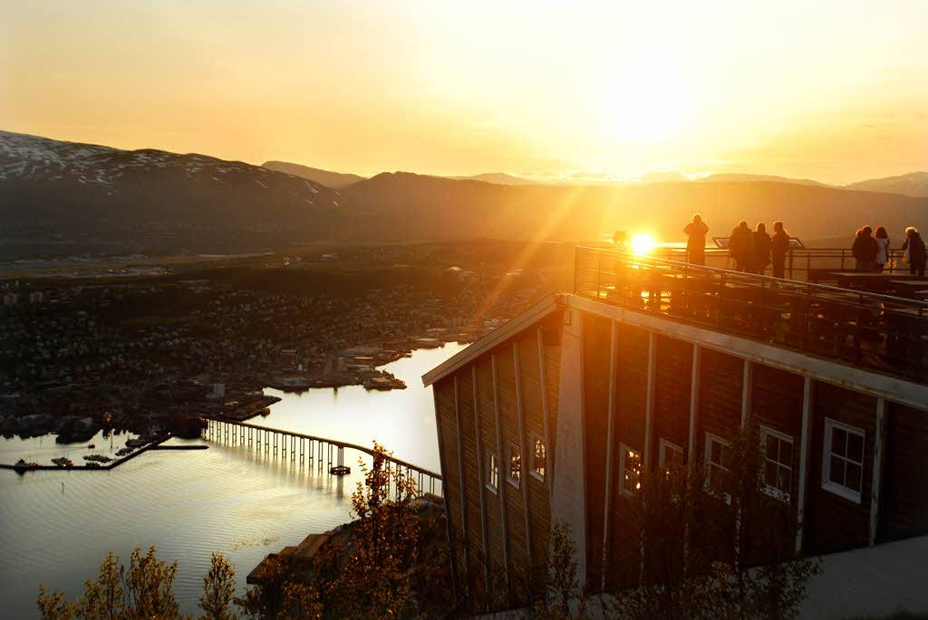 Experience the Midnight Sun in Tromso by Knut Hansvold, Nordnorsk Reiseliv