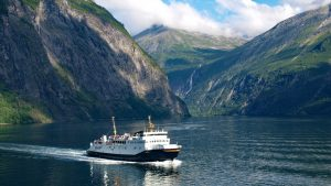 Cruise on Geirangerfjord by Pixabay