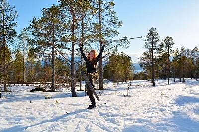 Cross country skiing by Malangen Resort