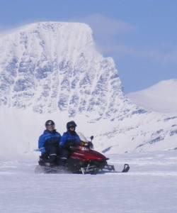 Snow mobile safari Tromso area. Photo by Lyngsfjord adventures