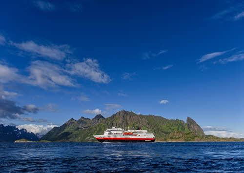 Cruise to Stamsund by Agurtxane Concellon, Hurtigruten