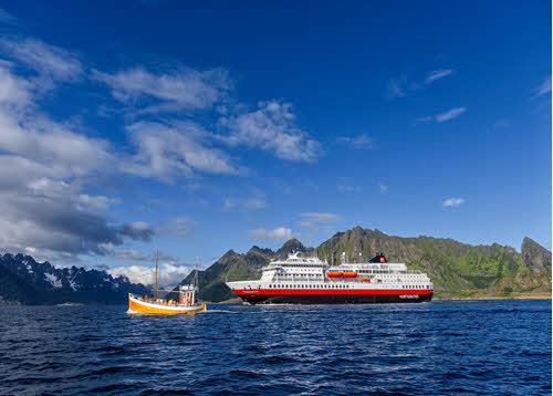 Cruise in Norway by Agurtxane Concellon, Hurtigruten